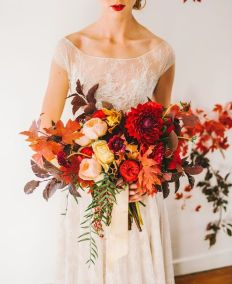 25-of-the-most-gorgeous-bridal-bouquet-for-an-autumn-wedding-9