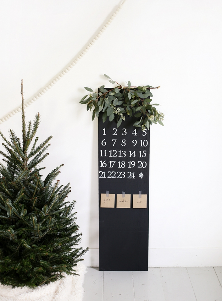 advent-chalkboard-calendar