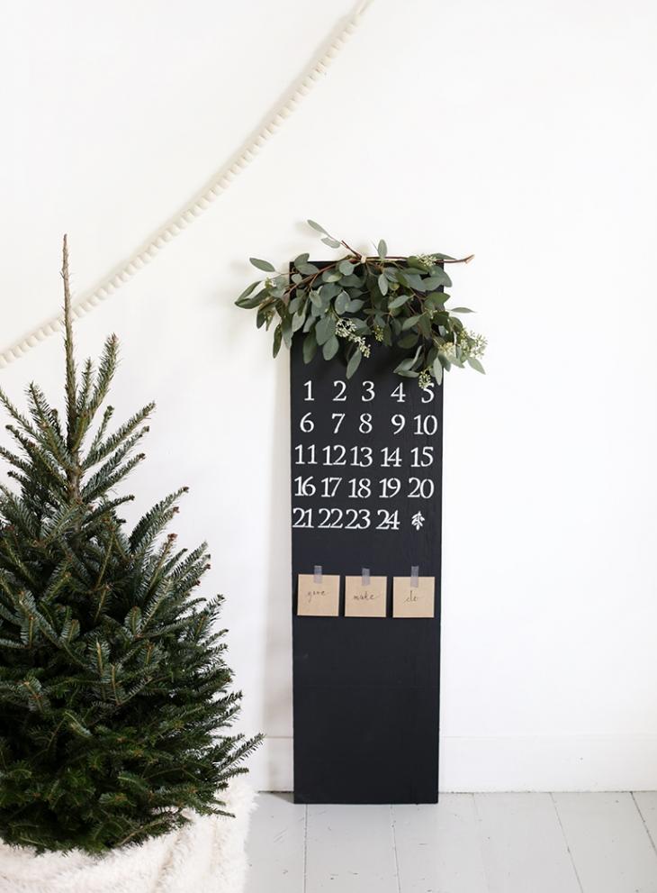 advent-chalkboard-calendar