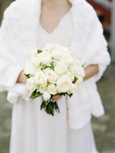 winter-wedding-bouquets-ideas1
