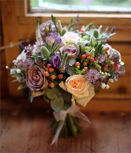 543_637_scaled_1599893_637_637_scaled_1527546_florist-vanilla-rose-20170224101541345