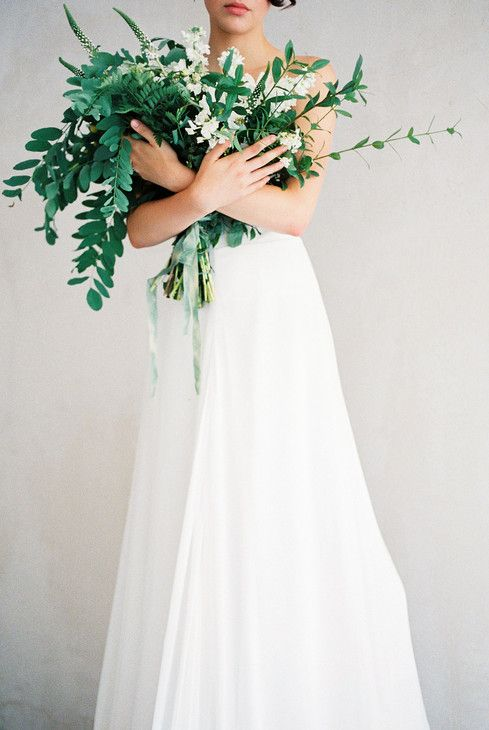 4545f99b0e110471c931c8877f948d51--wedding-plants-bouquet-flowers