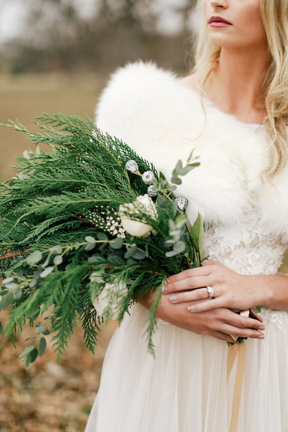 Winter-Wedding-Bouquet-Simple-Greenery-Fir-Tree-weddingsonline